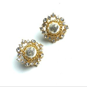 Chanel earring Chanel earrings Stunning pair!